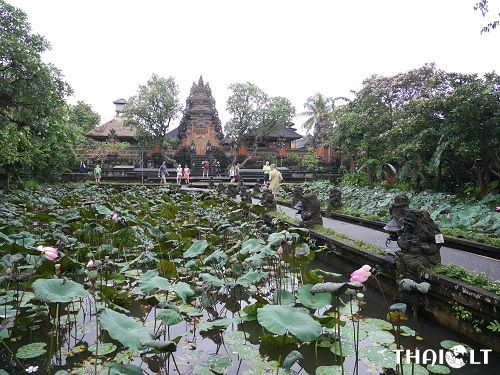 Balinese culture and temples