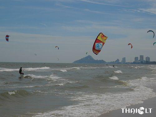 Kitesurfing in Hua Hin